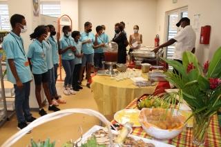Découvertes de saveurs des élèves de 5e et 6e au Collège Soualiga,  à l'occasion de la semaine du goût.