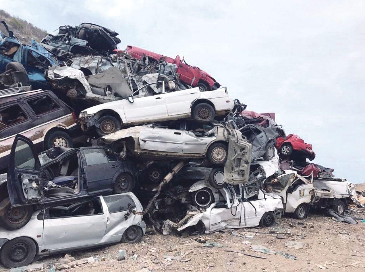 1959 véhicules hors d'usage transportés à l'écosite lors du nettoyage post-Irma
