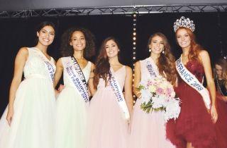 Miss France 2018 et ses quatre dauphines arrivent en fin d'après-midi à l'aéroport de Grand Case