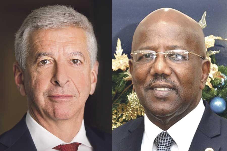 Ronald Plasterk ministre de l'intérieur et des affaires de la Couronne des Pays-Bas et William Marlin premier ministre du gouvernement de sint-Maarten