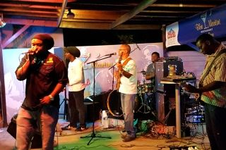 AU BLUE MARTINI : Un bon moment de Ragga et Reggae…