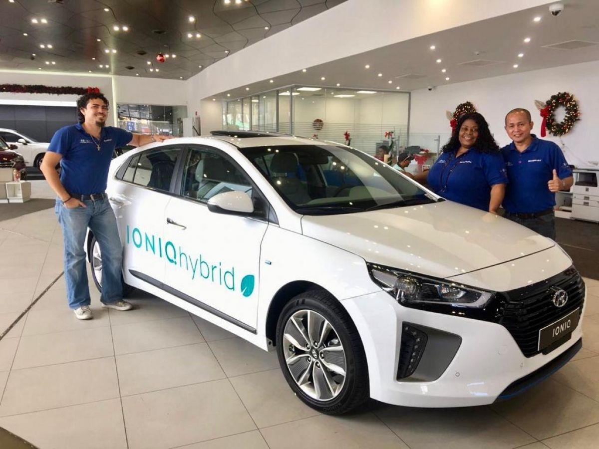 MOTORWORLD est fier de vous présenter la nouvelle HYUNDAI IONIQ Hybride 2019