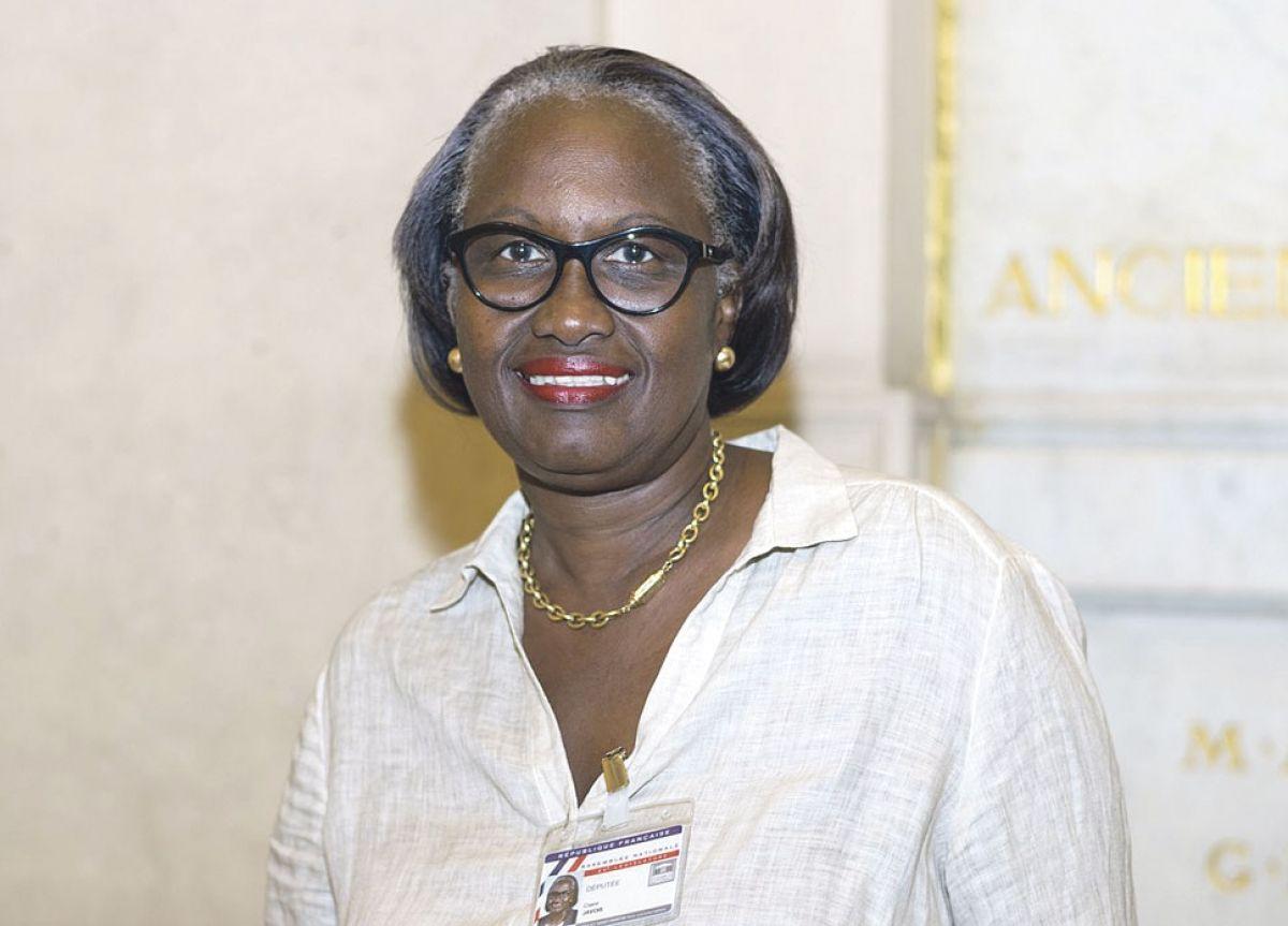 Prorogation du dispositif d'activité partielle : la Députée Claire Guion-Firmin interpelle la Ministre du Travail