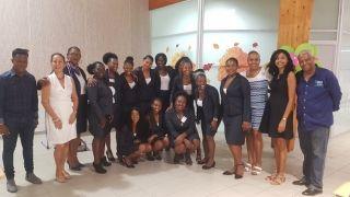 Les jeunes femmes ont  présenté leur formation aux  socioprofessionnels dans  le secteur sanitaire et social...
