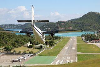 L'hélice d'un avion blesse grièvement une agent d'escale