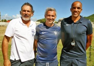 De gauche à droite, Gilles Petit, éducateur technique à la Ligue de football de Saint-Martin, Nicolas Bordin et David Baltase, chargé de mission  Concacaf à la Ligue de football de Saint-Martin.