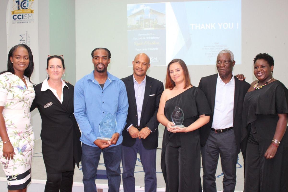 V. Damoiseau (1er vice-présidente de la Collectivité), S. Jabouley (conseillère technique CCISM) Franklin Denis (1er prix), D. Gibbs (Président de la Collectivité), Diane Choisy (2ème prix), Yawo Nyuiadzi  (vice président)  et Angèle Dormoy (Présidente de la CCISM).