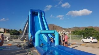 Un toboggan aquatique géant  pour sensations garanties !