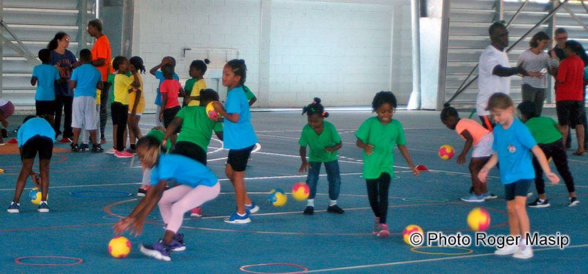 Trois cents jeunes élèves participent  à une matinée sportive