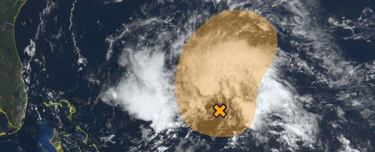 Formation de la première tempête subtropicale Andrea