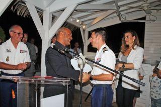 Le colonel Sébastien Manzoni invitait de très nombreuses personnalités, vendredi dernier, au restaurant le Yacht Club, pour un pot de départ en toute convivialité.