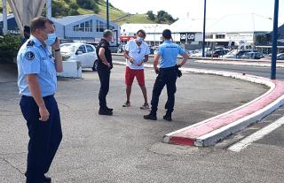 Un militaire de la gendarmerie délibérément renversé par un conducteur de deux-roues