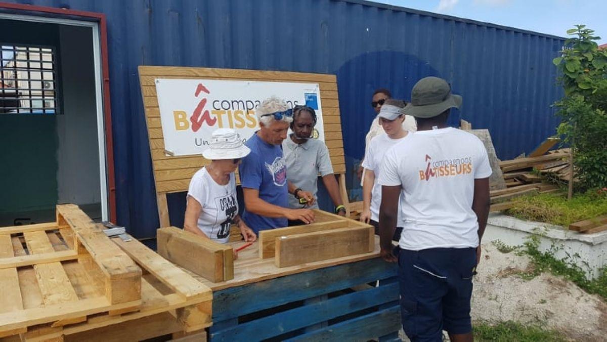 Les Compagnons Bâtisseurs continuent leurs ateliers  « Bricolage » dans  les quartiers