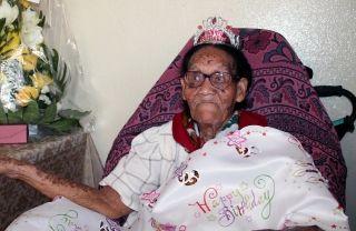 Entourée de sa famille, de ses amis et d'élus locaux, Dorcille Barry  a soufflé sa 101e bougie.