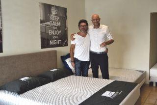 """Michel Le Calvez, directeur de la franchise, et Louis de Pompignan, gérant de la nouvelle enseigne """" La Maison de la Literie"""" implantée  à Saint-Martin et ouverte depuis la semaine dernière."""