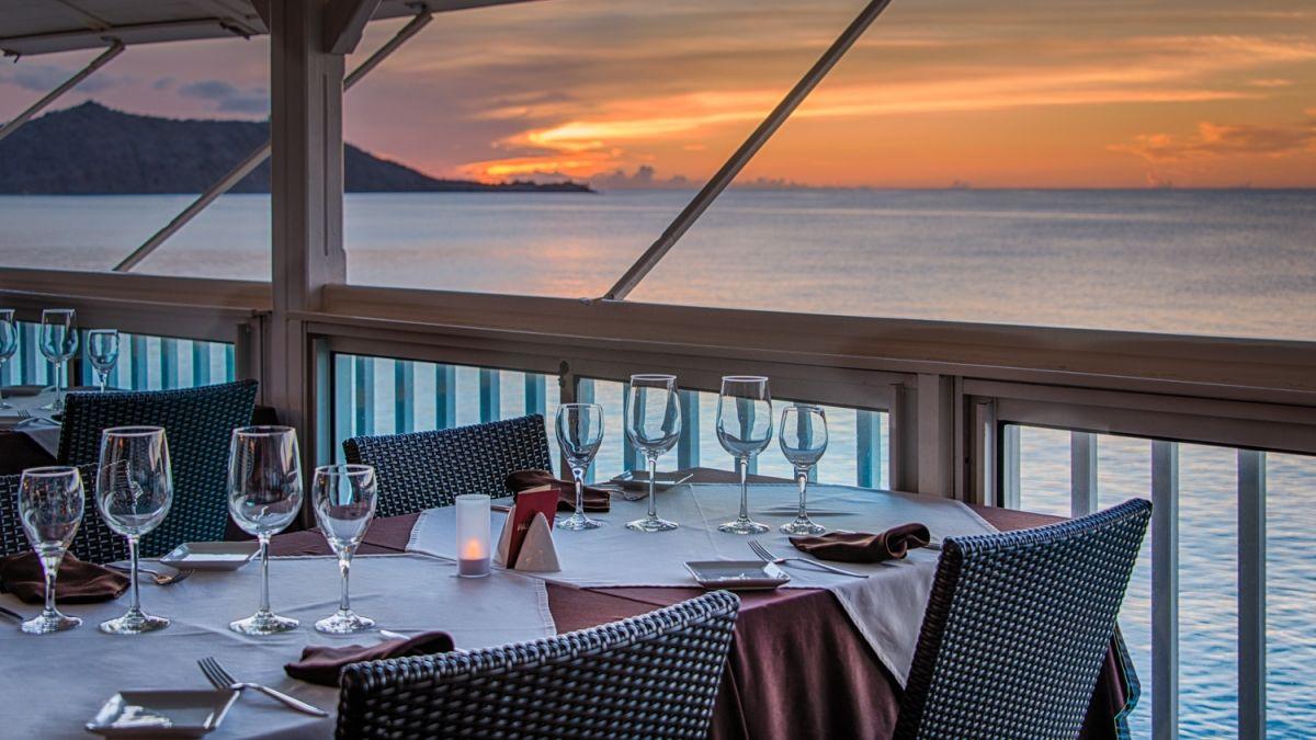 Une première: deux restaurants de Sint Maarten classés dans le Caribbean Journal