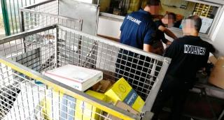 A Millau (Aveyron) les douanes interceptent un colis de cocaïne en provenance de Saint-Martin