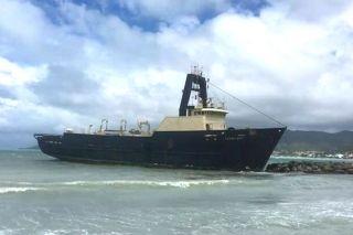 Echouage : Le Yacht Hop se rapproche dangereusement de la plage