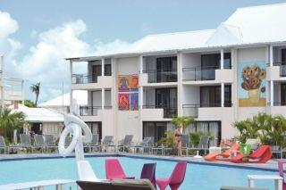 Quelque 120 chambres sont à nouveau opérationnelles, la piscine, le bar et le restaurant également.